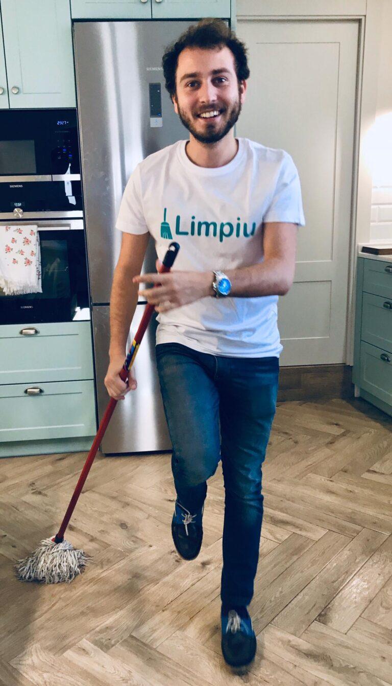 Ejemplo de un profesional de limpieza del hogar que es usuario de Limpiu App